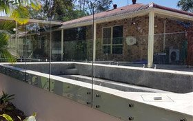 Pin-Fixed Glass Pool Fencing